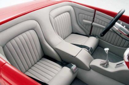 BMW Roadster- Interior-Passenger Comaprtment 2FPO