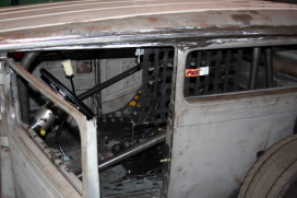 roll cage and floor 030