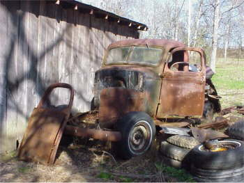 Truck 2 - This poor slob will transform itself into a roadster pickup with rat rod potential.  Maybe even scare kids & little old ladies!