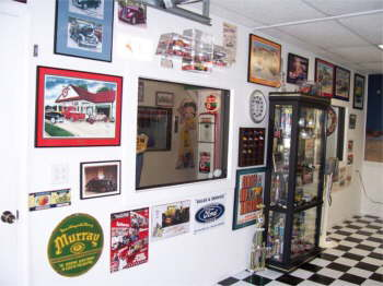 The next 6 pictures are of Spencer's showroom.