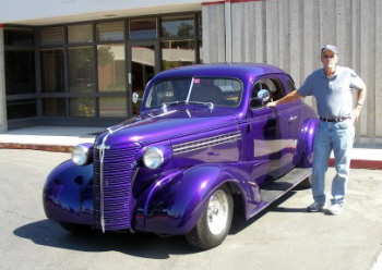 """Adam's dad """"Cubby"""" Caldwell in front of Hotrodhotline Office"""