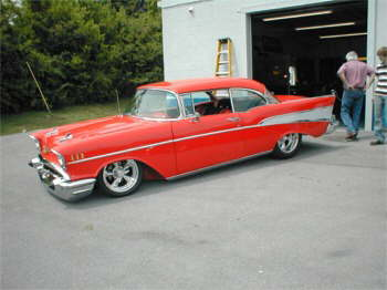 Don Enloes 57 Chevy looks Tough