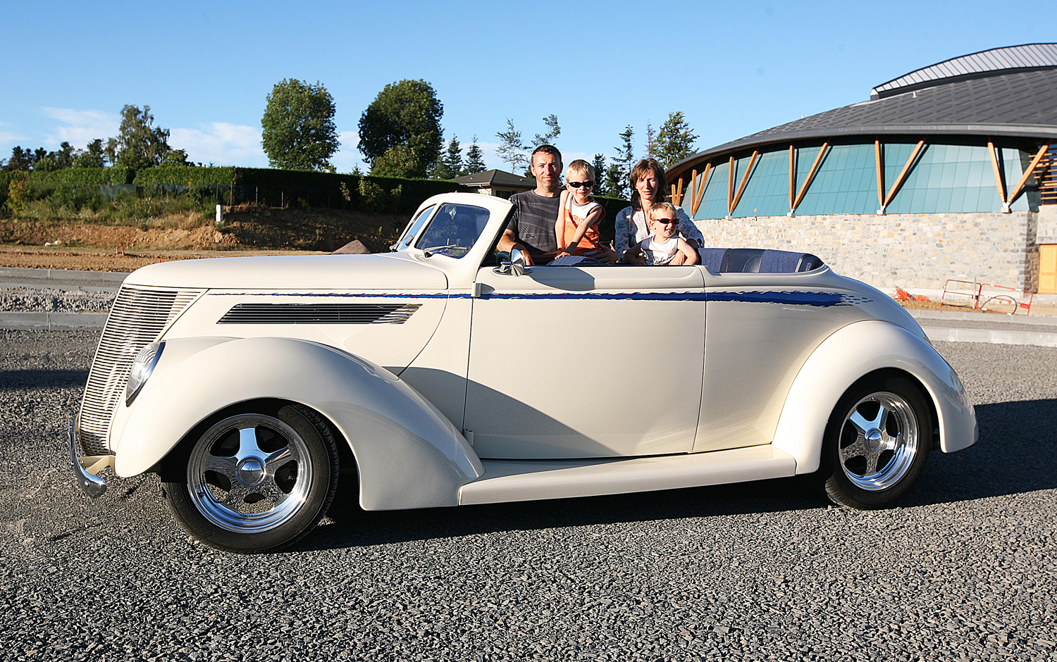 1937 Ford Club Cabriolet Hotrod Hotline