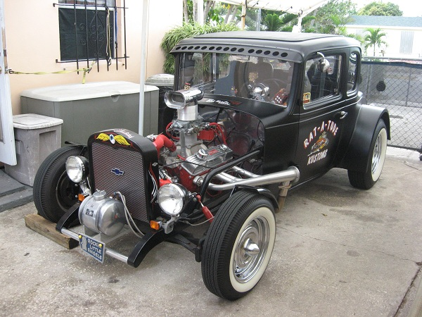 Larry Phillips 1932 Chevy Coupe | Hotrod Hotline