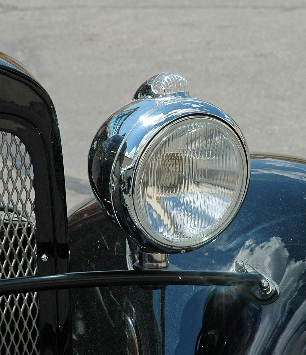 Hot Rod Headlights : Headlights part choosing and mounting them hotrod hotline
