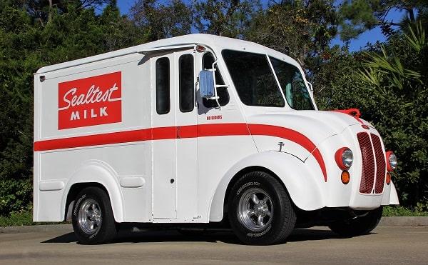Roger Thompson's 1961 DIVCO Milk Truck | Hotrod Hotline