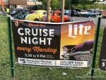 Hooters Cruise Night1
