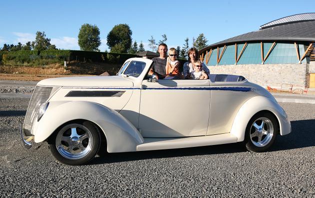 1937 Ford Club Cabriolet Hotrod Hotline